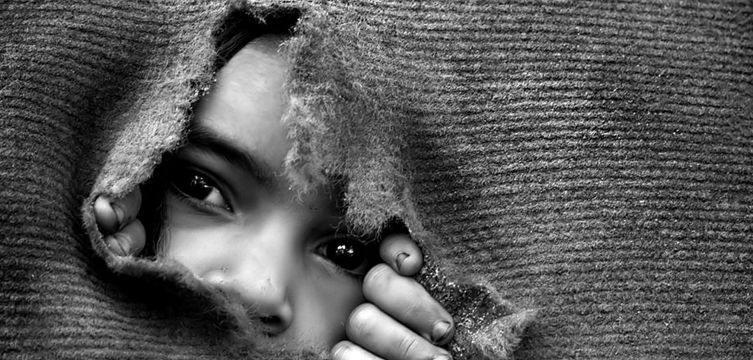 Great Black And White Photography : Child poverty in spain borgen
