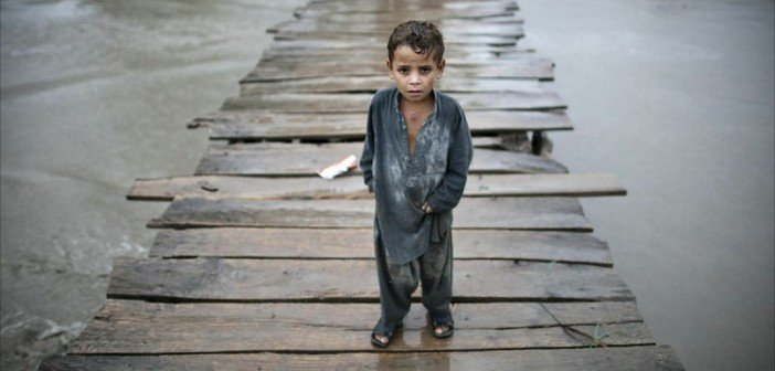 essay on flood in pakistan Monsoon rains have battered pakistan in recent weeks, killing more than 200  people and leaving another 200000 homeless.