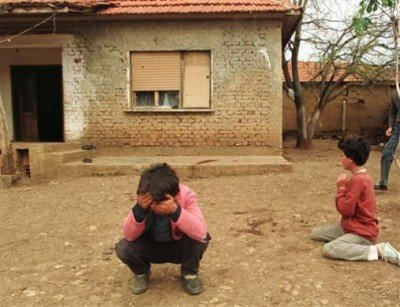 Albanian_Children_Cry_During_Kosovo_War
