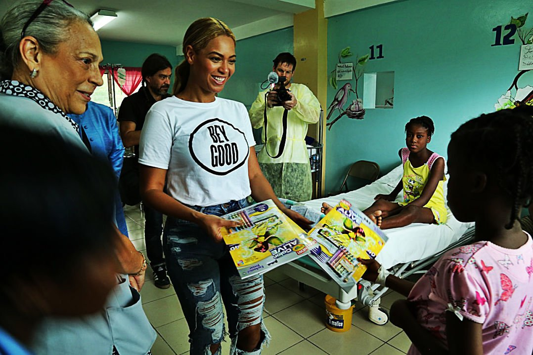 Beyoncé's pastor says she has been 'incredibly helpful' to ... |Beyonce Charity Work