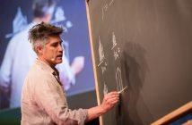 Alejandro Aravena's Incremental Housing and Poverty in Chile
