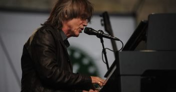 Artists for Peace and Justice Honor Jackson Browne at Annual Gala