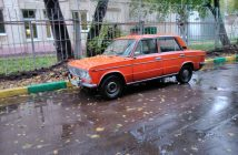 Russians Still Driving Lada