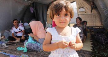 Lena Headey Helps Refugees