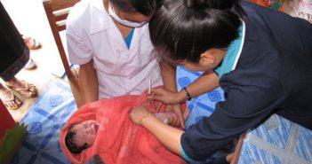 baby getting pneumonia vaccine